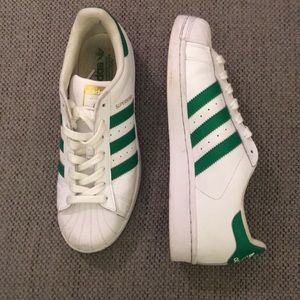 Adidas tennis shoes size 8.5